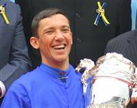 "LeFranco ""Frankie"" Dettori winning The Hong Kong Sprint 2010"
